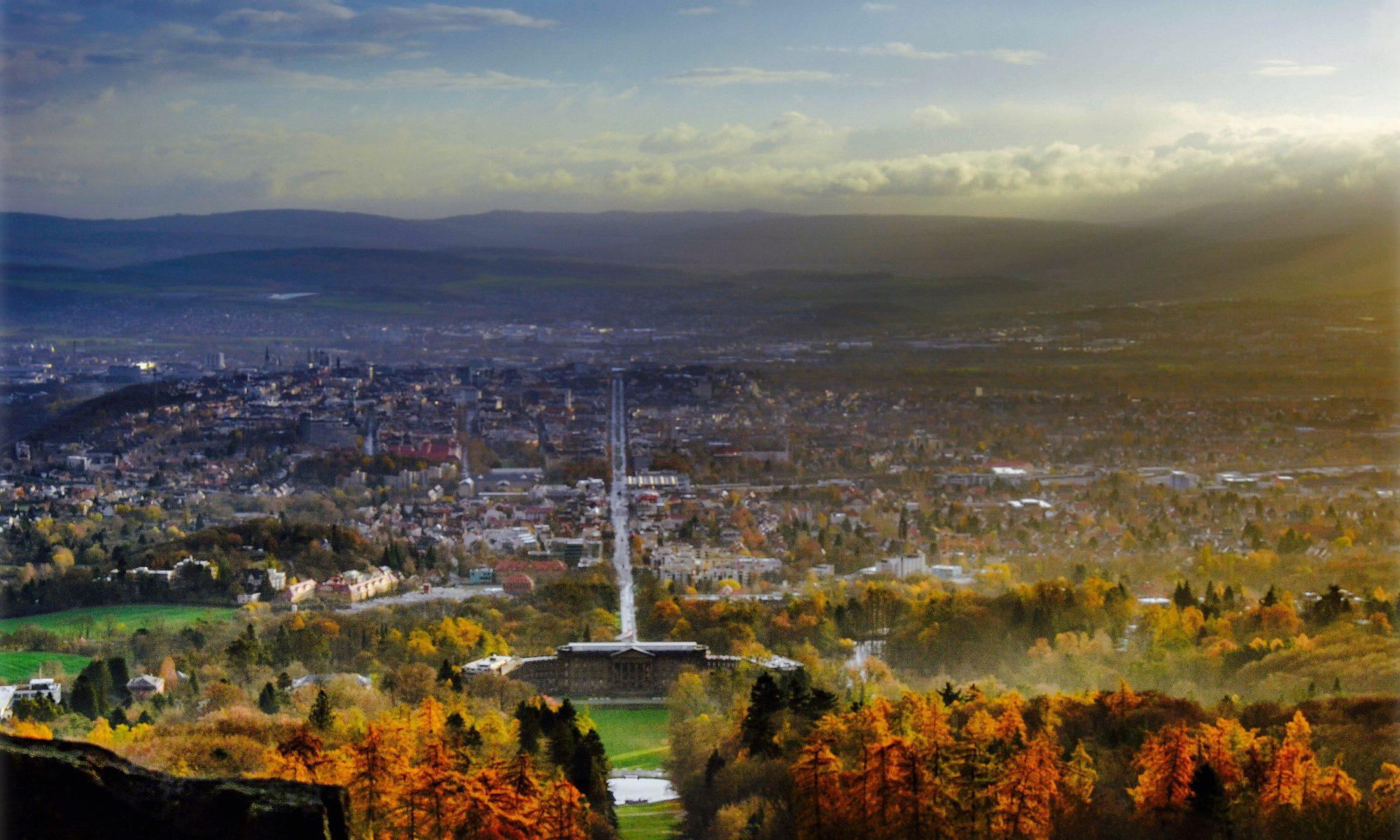 Blick vom Herkules auf den Bergpark und Kassel © Stadt Kassel; Foto: Jörg Conrad